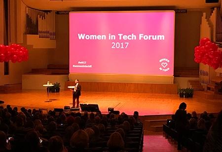 women_in_tech-seminaari-tapahtuma-lava-puhuja