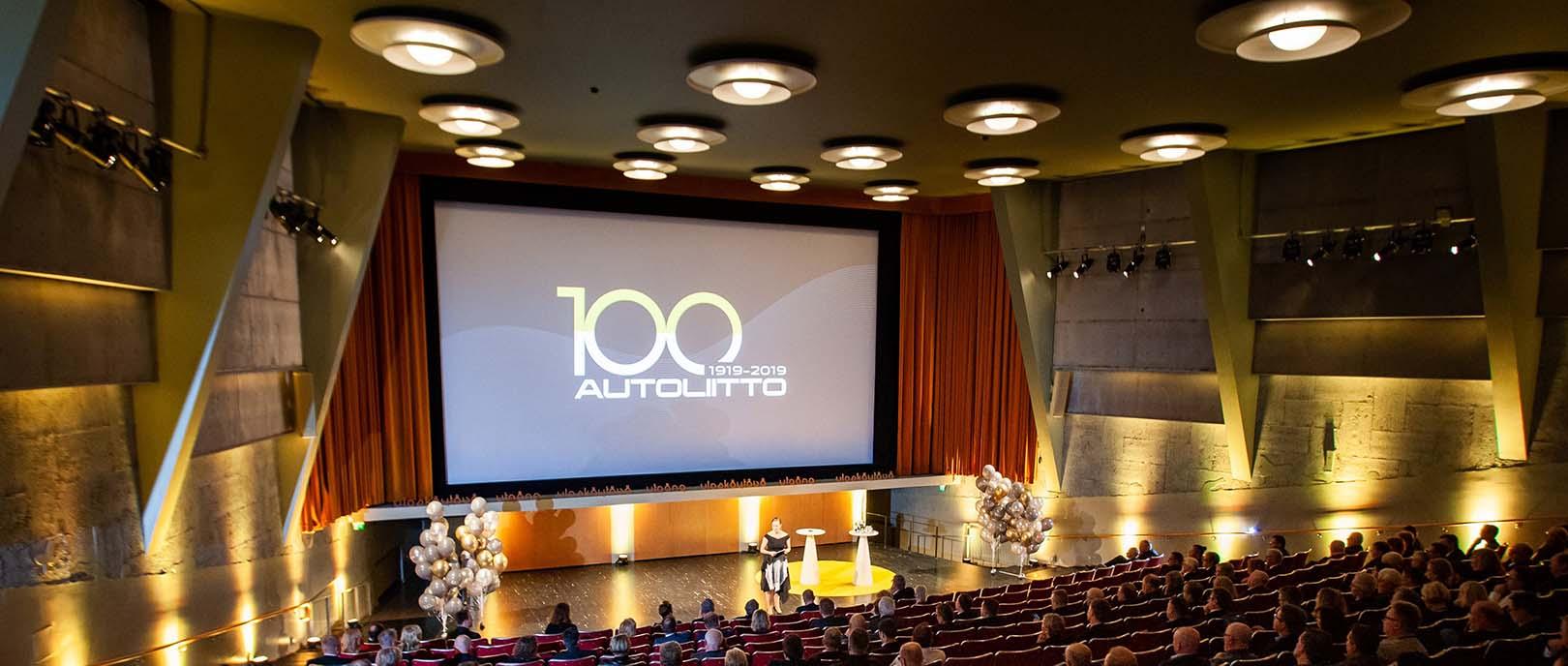 autoliitto-100v-stage